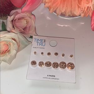 6 pairs of hypo allergenic earring studs